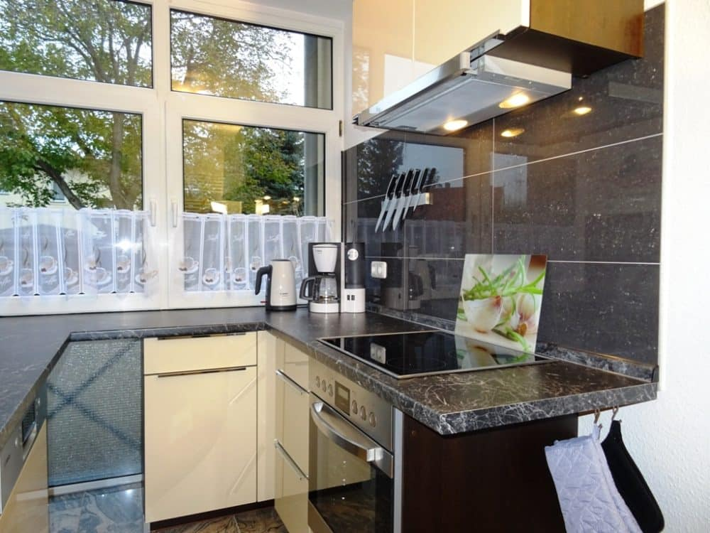 Ferienwohnung Dresden Lockwitz Alte Kelterei – Nr. 2 – Küche mit Fenster