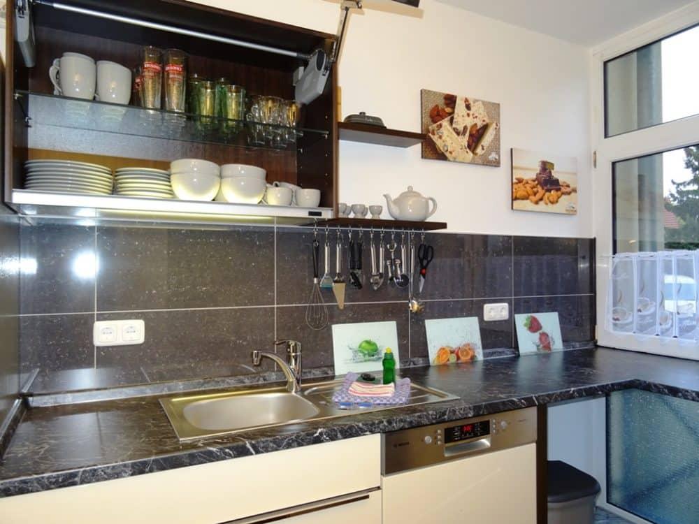 Ferienwohnung Dresden Lockwitz Alte Kelterei – Nr. 2 – Küche mit Geschirrspüler