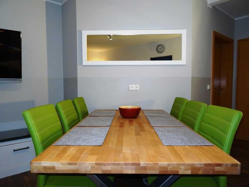 Ferienwohnung Dresden Lockwitz Alte Kelterei – Nr. 2 – Wohnzimmer mit Essecke